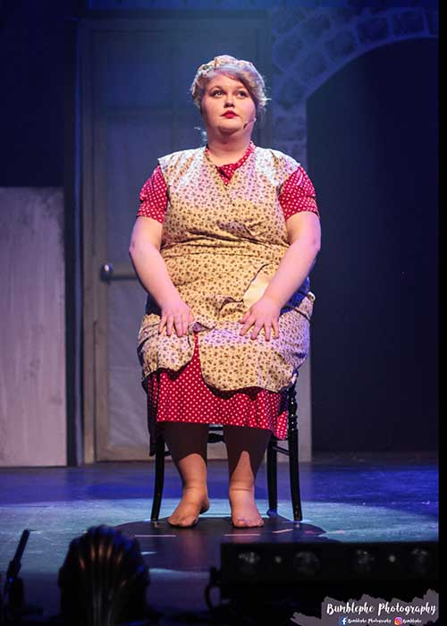 betty blue eyes costumes